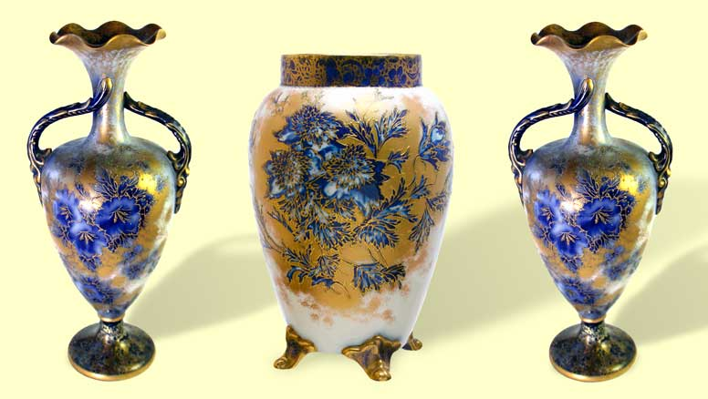 Carlton Ware garniture from the 1890s in flow blue and raised gold